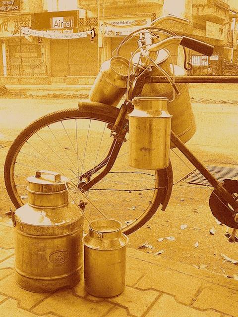 Bike+Milkcans Sepia 7322SM