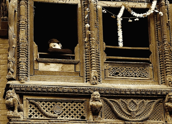 Nepal girl-window SEPIA2 SM2