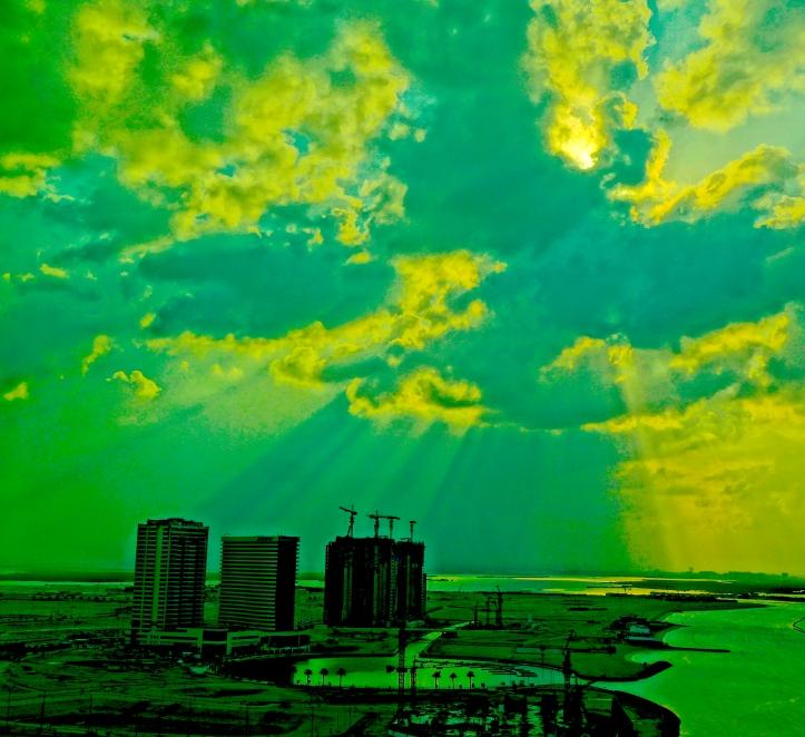 5 CloudsReem 2176 E1
