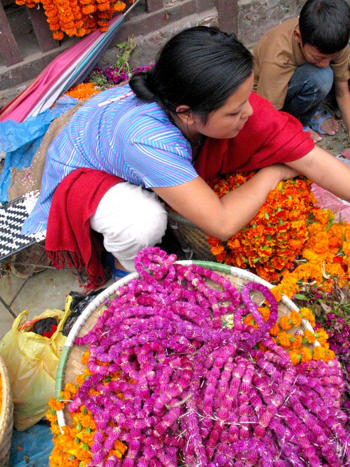Lei vendor -- with all the colors of the rainbow