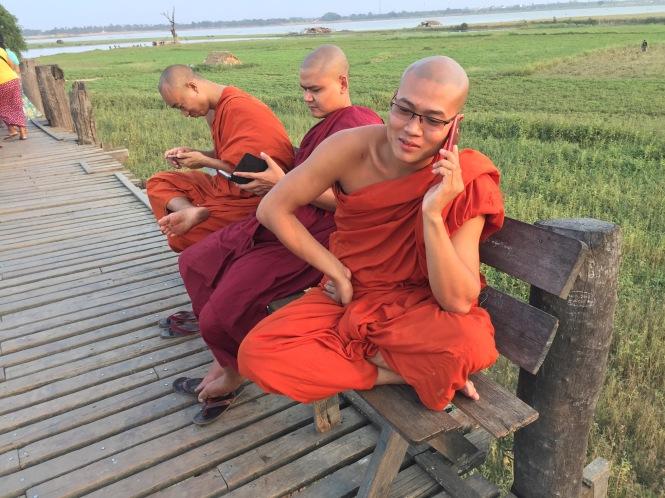5 monks phones 5858