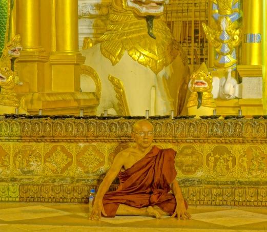 16 Monk sit 7621