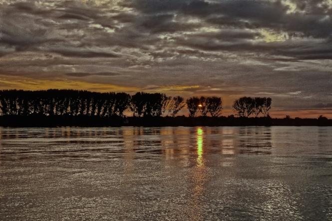 3-river-sunset-3496_hdr1sm