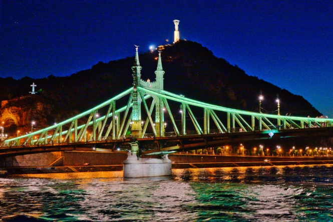 Liberty Bridge & Monument night