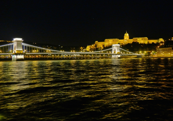 Chain Bridge Buda Castle night