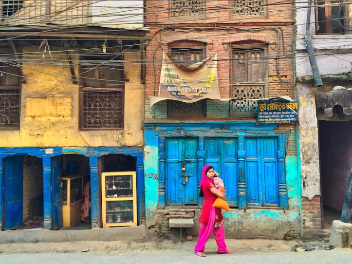 Katmandu street, lady with baby