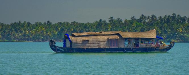 Kerala backwater boat rental